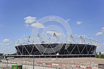El estadio 2012 de las Olimpiadas de Londres acerca a la terminación Foto editorial