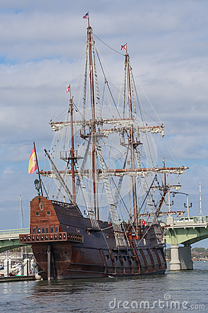 Free El Galeon Docked In Saint Augustine, Florida, USA Stock Image - 48383581