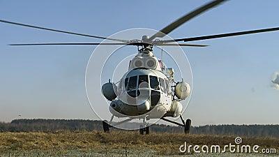 El helicóptero despega metrajes