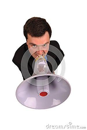 El hombre de negocios grita en megáfono