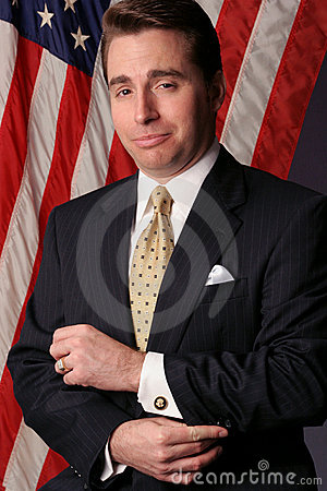 El hombre de negocios hace un candidato