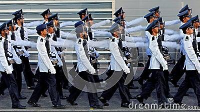 El marchar contingente del Guardar-de-honor durante NDP 2009 Foto de archivo editorial