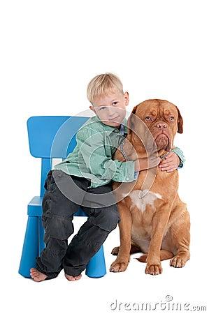 El muchacho y su perro