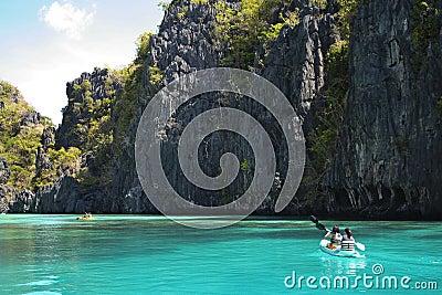 el nido kayak adventure holiday philippines