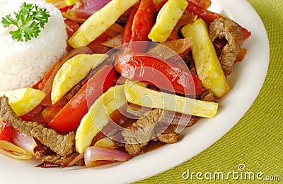 El plato peruano llamó Lomo Saltado