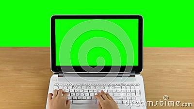 El pulsar en un ordenador portátil