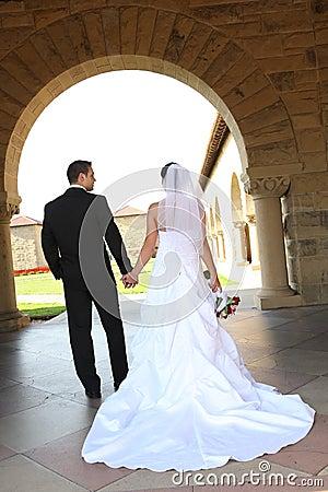 El recorrer de novia y del novio
