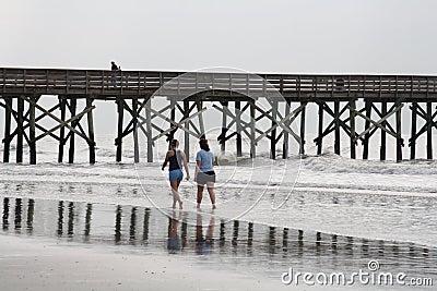 El caminar en la playa