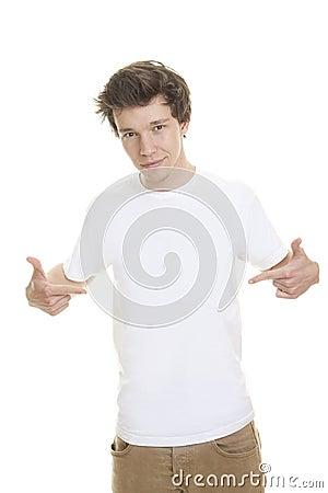Modelo blanco en blanco de la camiseta
