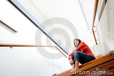 El sentarse en las escaleras