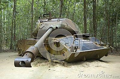 El tanque americano destruido durante la guerra de Vietnam