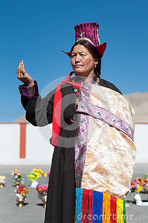 Free Elderly Woman Posing In Traditional Tibetian Dress In Ladakh, North India Royalty Free Stock Photo - 80978405