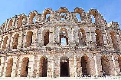 El的Djem被拆毁的古老圆形露天剧场