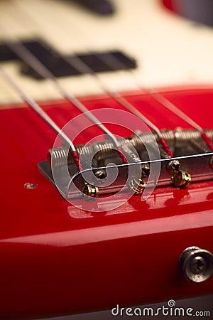 Electric bass guitar bridge