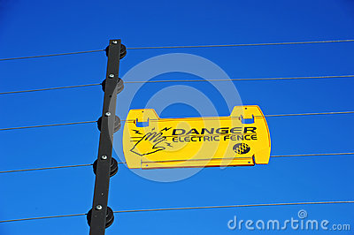 Electric Fence Danger Sign
