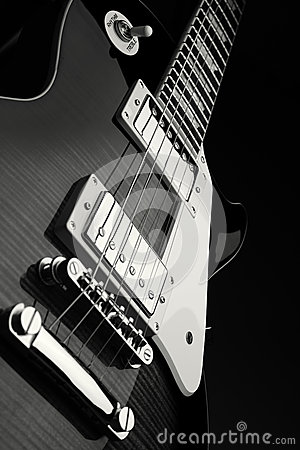 Free Electric Guitar Royalty Free Stock Photo - 25410465
