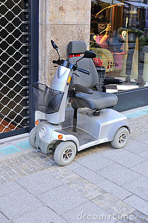 Electric vehicle for shopping