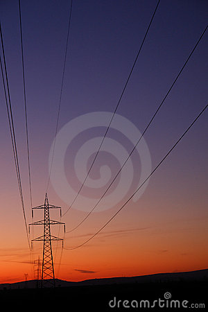 Electricity transfer lines and pylons
