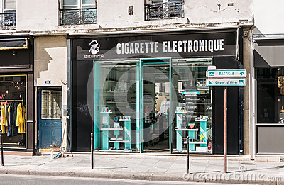Electronic shop paris