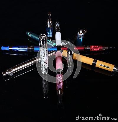 Free Electronic Cigarettes Royalty Free Stock Photos - 38289148