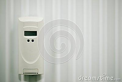 Electronic heat cost allocator on radiator