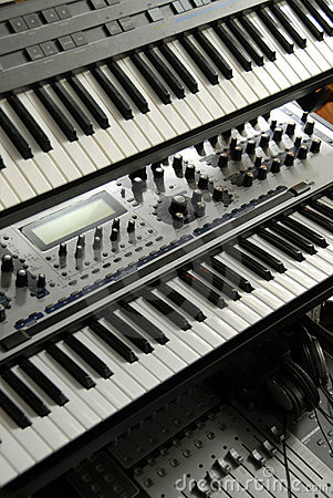 Free Electronic Keyboards On A Rack Stock Photo - 3003650