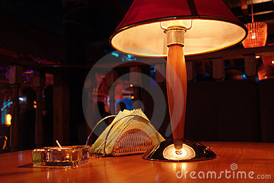 Electronic lamp with abat-jour
