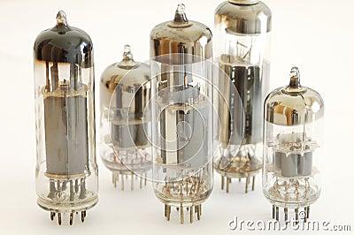 electronic-valves-19143155.jpg