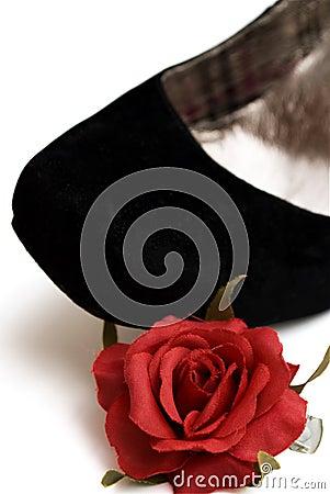 Elegance black shoe with little red rose