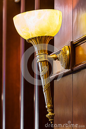 Elegance wall lamp