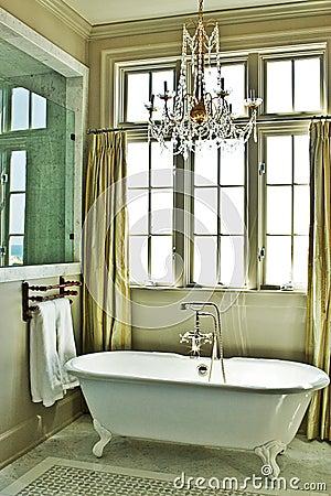 Free Elegant Bathroom With Tub Royalty Free Stock Image - 10207266