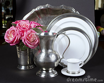 Elegant Dinner Plates And Serving Tray