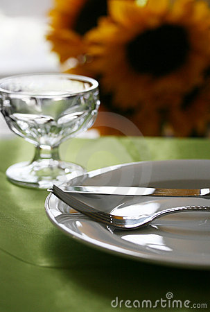 Free Elegant Dinner Table Royalty Free Stock Images - 5504979
