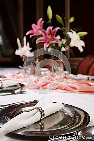 Free Elegant Dinning 1 Royalty Free Stock Image - 7006776