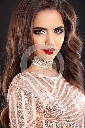 Free Elegant Fashion Brunette Woman Portrait. Wavy Hair Style. Red Li Royalty Free Stock Photography - 97359697