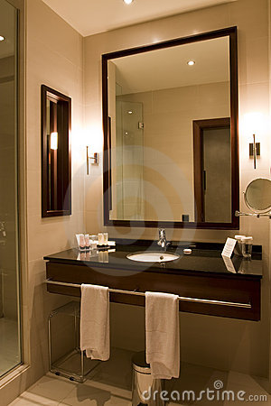 Free Elegant Hotel Or Apartment Bathroom Stock Photos - 8079913