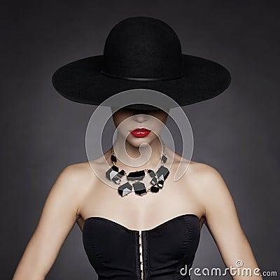 Free Elegant Lady In Hat Royalty Free Stock Image - 47693396