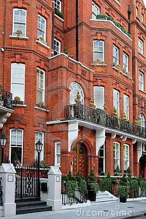 Free Elegant London Townhouses Royalty Free Stock Photography - 14285937