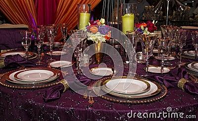 Elegant Modern Table Place Setting