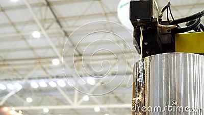 Elektriska urladdningsmaskiner för skärning av stål EDM-teknik för tung industri stock video