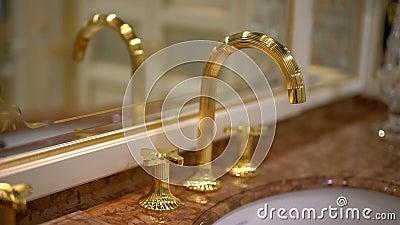 Elementen van duur badkamersloodgieterswerk 3 stock video