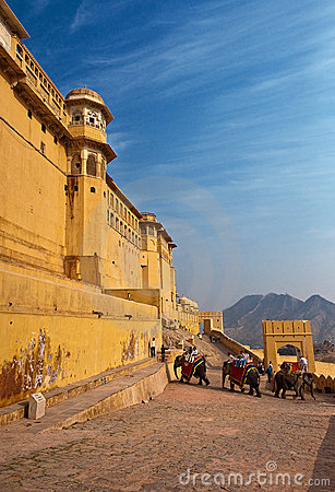 ELEPHANT RIDE TO THE AMBER FORT,RAJASTHAN,INDIA. Editorial Photo