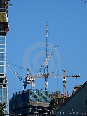 Free Elevating Cranes. Building. Royalty Free Stock Photography - 7177607