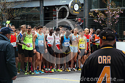 Elite Racers Start line at Vancouver Sun Run Editorial Photo
