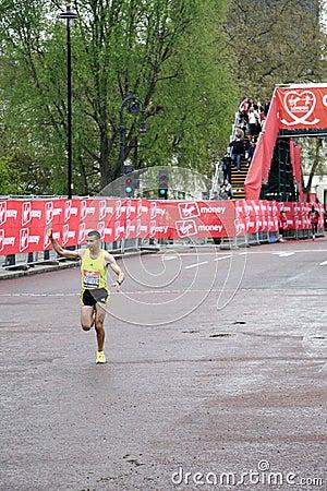Elite runner in london 2010 marathon Editorial Stock Photo