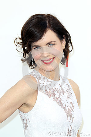 Elizabeth McGovern arriving at the AFI Life Achievement Award Honoring Shirley MacLaine Editorial Photo