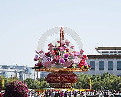 Em Ásia, China, Pequim, Praça de Tiananmen, a cesta da flor do festival, Museu Nacional Fotografia Editorial