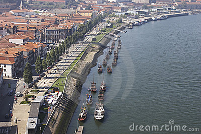 Embankment of Douro river, Vila Nova de Gaya