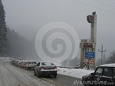 Embouteillage au district de Prahova Photo éditorial