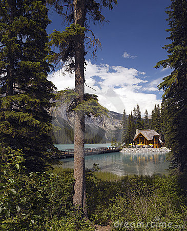 Emerald Lake in Yoho National Park - Canada